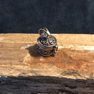 Jewelry - Sterling Silver Poison Box Pendant